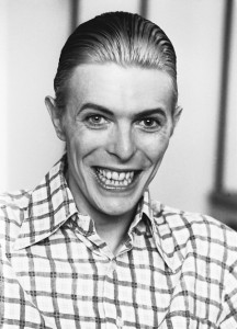 david-bowie-crazy-smile-480x668